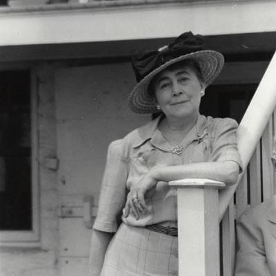 Helena-Smith-Dayton-bio